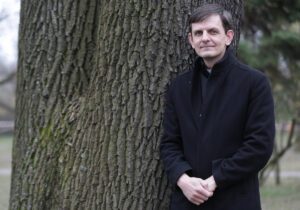 Maillot de bain Kňaz Martin Kramara: V každej rodine je nejaká strata. Ešte som nezažil toľko pohrebov