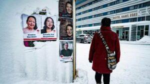 Maillot de bain Greenland's Inuit formative years seeking original identity