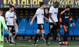 Maillot de bain Caso Diakhaby: Cádiz se pronunció por el acto racista denunciado por el jugador de Valencia