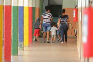Maillot de bain USP busca voluntários para pesquisa sobre impacto da privação no ambiente escolar no desenvolvimento infantil