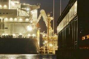 Maillot de bain Global LNG Interrogate Jumps the Most Since Pandemic Dashed Alternate