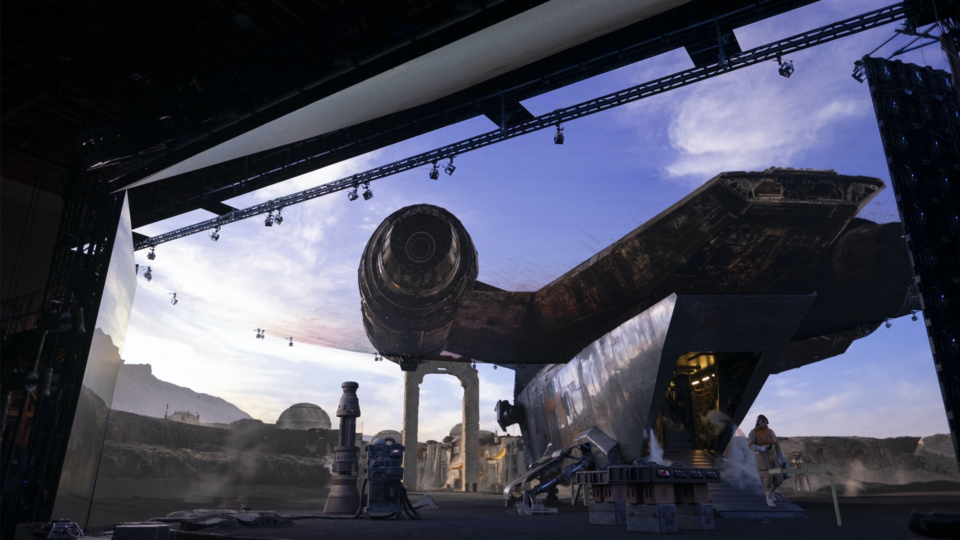 Maillot de bain Direct Industrial Mild and Magic's Gigantic LED Dwelling for 'The Mandalorian'