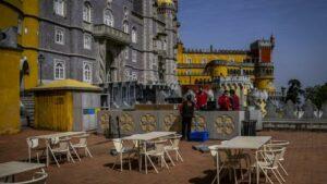 Ecole DIRECT. Covid-19 : au Portugal, les collèges, musées et terrasses de café ouvrent après plus de deux mois de fermeture