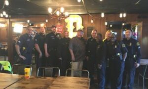 Maillot de bain Dickey's Barbecue Pit Continues eightieth Anniversary Celebration with Donation to Ennis Police Division