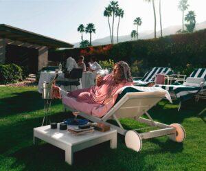 Maillot de bain Hype Williams's Reimagines Slim Aarons' Poolside Socialites for Jay-Z's Hashish Line