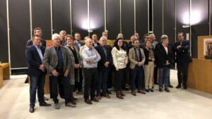 Maillot de bain 'Geef kunstenaars een podium bij raadsvergadering'