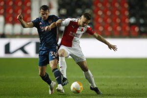 Maillot de bain Arsenal mit souveränem 4:0-Sieg in Prag