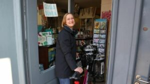 Maillot de bain Booksellers on Covid-19 and 'the push to buy native'