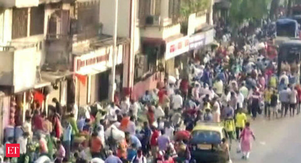 Maillot de bain Mumbai: With out a COVID fright, huge crowd viewed at Dadar market