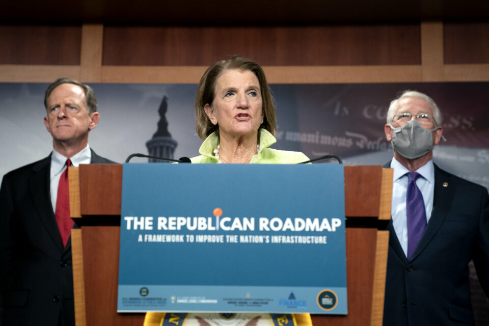 Maillot de bain Senate Republicans account for their very hold infrastructure idea — right here's what's in it