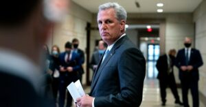 """Maillot de bain Kevin McCarthy's Gamble on a """"Sizable Tent"""" GOP"""