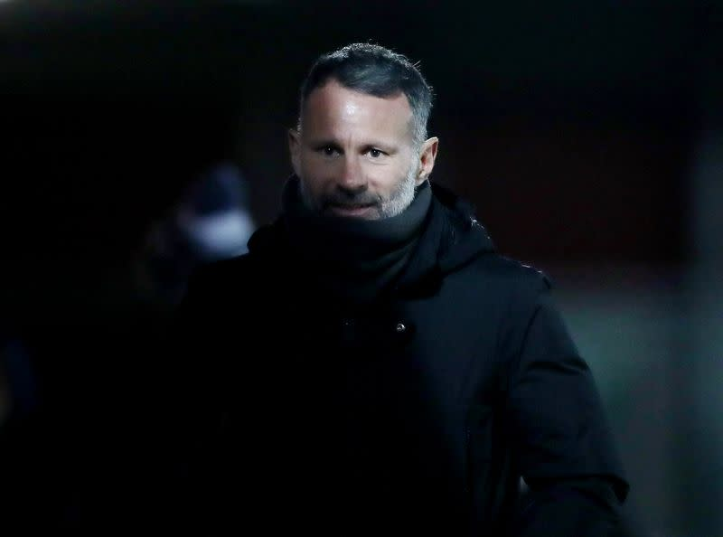 Maillot de bain Venerable soccer big title Ryan Giggs charged with assault against two girls