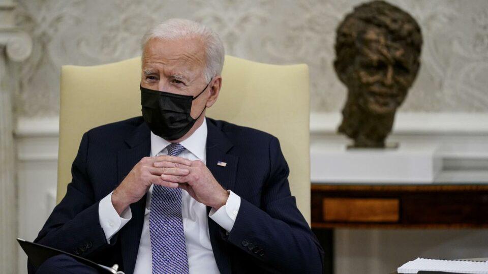 Maillot de bain «Biden zadziałał bardzo inteligentnie. Jedną ręką wprowadził kolejny pakiet sankcji, drugą zaoferował dialog»