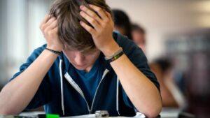 Ecole Enseignement : faut-il annuler les examens de fin d'année ?