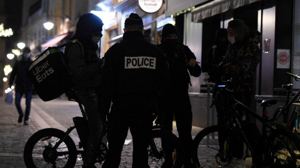 Maillot de bain Pour contourner le confinement ou le couvre-feu, ces Français ne manquent pas d'creativeness Huffington Post LIFE