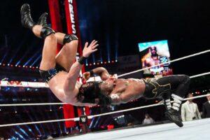 Maillot de bain Lashley, McIntyre, Strowman Plan for WWE Title Match at WrestleMania Backlash