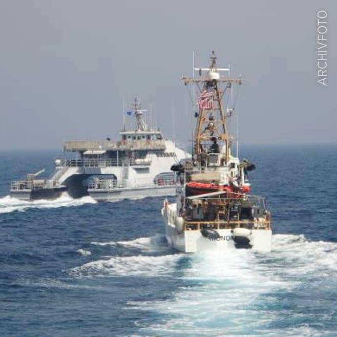 Maillot de bain Provokation des Iran – US-Marine feuert Warnschüsse ab