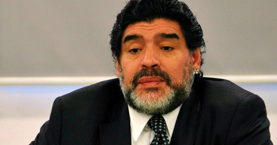 """Maillot de bain Maradona, """"la sua morte poteva essere evitata"""": la perizia sul corpo dell'ex calciatore"""