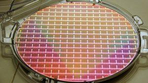 Maillot de bain Chipmangel: Infineon-Chef sieht Teilschuld bei Fertigern