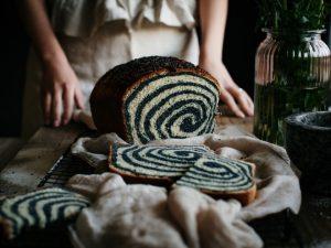 Maillot de bain VIDEO: Dvobarvni kruh iz modela