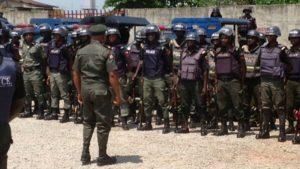 Maillot de bain 16 cops killed in Nigeria closing week
