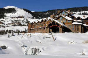 Maillot de bain Don't Eat the Yellowstone Snow: Elite Ski Resort Targets to Flip Sewage Into Powder