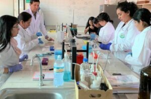 Maillot de bain Arequipa: programa de Doctorado investiga sobre anemia, tuberculosis, cáncer y Alzheimer