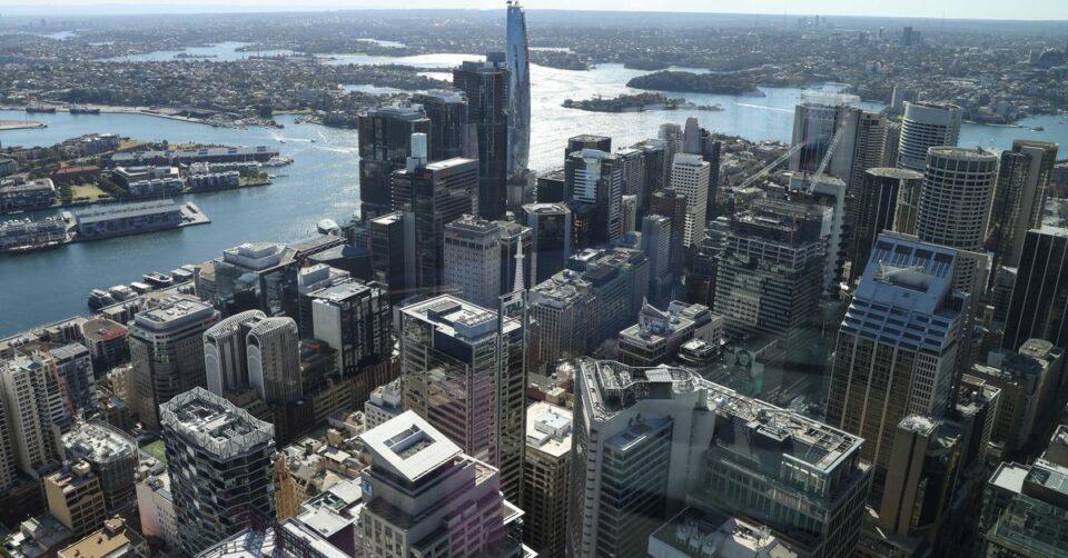 Maillot de bain Mind receive: Recent boutiques, deals surge trap expat bankers to Australia – Reuters