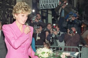 Maillot de bain BBC journalist gentle 'deceitful behaviour' to rep 1995 interview with Princess Diana, investigation finds – The Globe and Mail