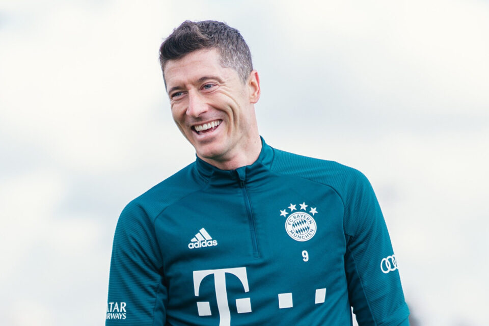 Maillot de bain Chelsea seem to tug out of hotfoot to signal Harry Kane as they 'tag contact' with Robert Lewandowski with Thomas Tuchel 'working out of persistence' with Timo Werner