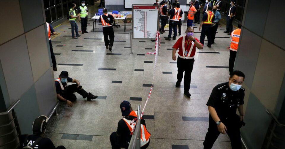 Maillot de bain Malaysian transport operator head fired after joke response to coach smash – Reuters