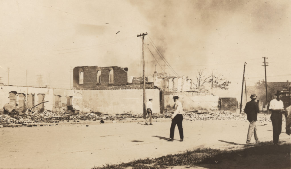 Maillot de bain Tulsa Anniversary Programming: Documentaries, Specials & Podcasts About Horrors Of 1921 Violence