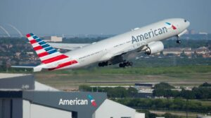 Maillot de bain American Airlines received't offer booze in financial system till September, functions to violent incidents