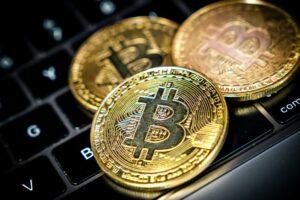 Maillot de bain Cryptomonnaies : comment fonctionnent les frais de transfert
