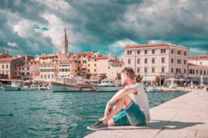 Maillot de bain Čechy v Chorvatsku příliš omezení nečeká, v restauraci mohou jíst i uvnitř