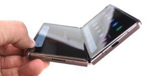 Maillot de bain Ultratenké sklo expert všechny skládačky. Samsung jej brzy nabídne třeba Googlu