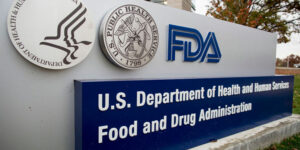 "Maillot de bain A ""disgraceful decision:"" Researchers blast FDA for approving Alzheimer's drug"