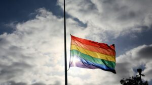 Maillot de bain 1 boring, 2 injured after pickup truck hits Pride spectators in Florida