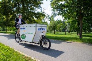 Maillot de bain PPL začíná rozvážet zásilky na elektrokole v dalším městě