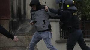 Maillot de bain Tisícky ľudí demonštrovali v Prahe proti vláde a premiérovi Babišovi