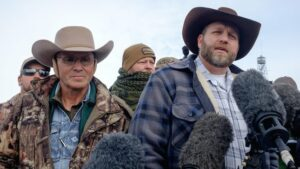 Maillot de bain Rancher who led armed occupation of federal refuge publicizes walk for Idaho governor