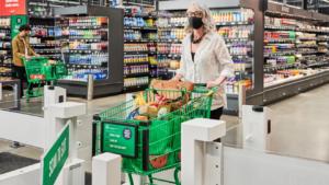 Epicerie Amazon Dart: Amazon adapte son belief d'épicerie sans caisses à une grande floor