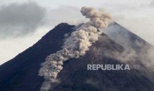 Maillot de bain Merapi Kembali Luncurkan Awan Panas Guguran ke Tenggara