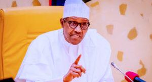 Maillot de bain Niger Delta Avengers' Sabre-Rattling Quite Pointless, Says Buhari
