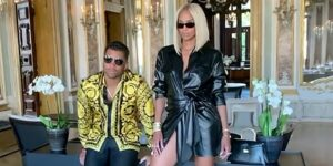 Maillot de bain Ciara and Russell Wilson Ooze Italian Glam in Dark and Gold for Romantic Gondola Stride in Venice – PEOPLE