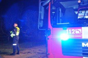 Maillot de bain Pranešta, kad Panevėžyje atvira liepsna dega butas