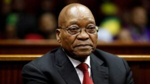 Maillot de bain Afrique du Sud: l'ex président Jacob Zuma se constitue prisonnier