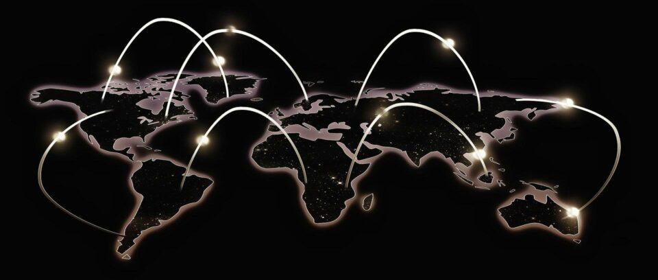 Maillot de bain Gestora global responsável por US$ 730 bi recomenda ajustes nas carteiras de renda fixa, com alta dos juros nos EUA no horizonte