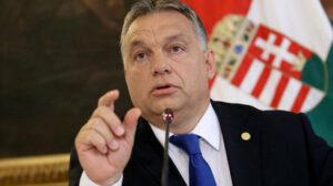 Maillot de bain Maďarská vláda údajne používala sledovací softvér v mobiloch novinárov