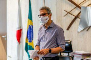 Maillot de bain Governador Romeu Zema anuncia o fim enact parcelamento dos salários